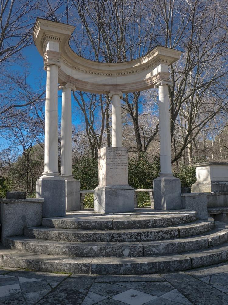 monument-257006_1280