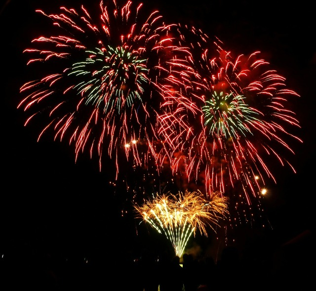 fireworks-68818_1280