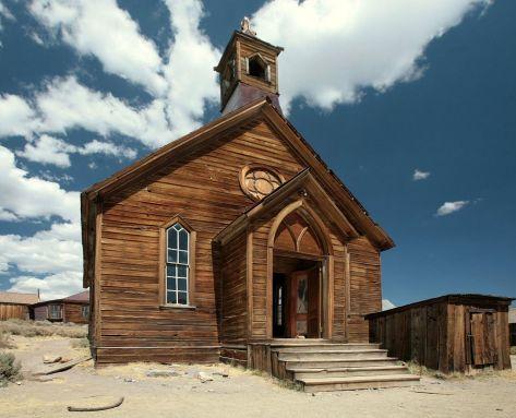Iglesia en Bodie, Church in Bodie, CA Thomas Fanghaenel edit1 CC BY-SA 3.0