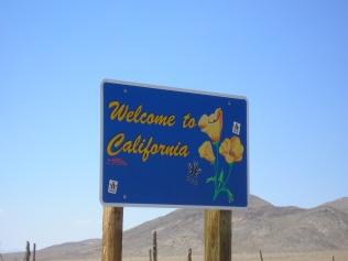 Cruzando entre Nevada y California al norte del Valle de la Muerte Fotos: Movaldi´s © All Rights Reserved